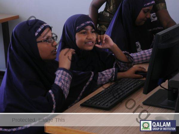 computer class with students